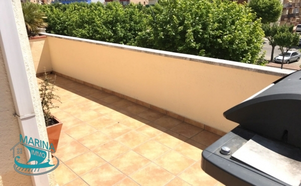 Spacious fully renovated apartment in the center of Empuriabrava