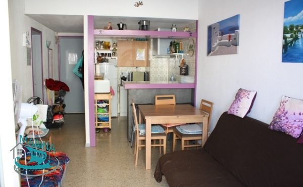 1 bedroom apartment in the center, 2 minutes walk from the beach