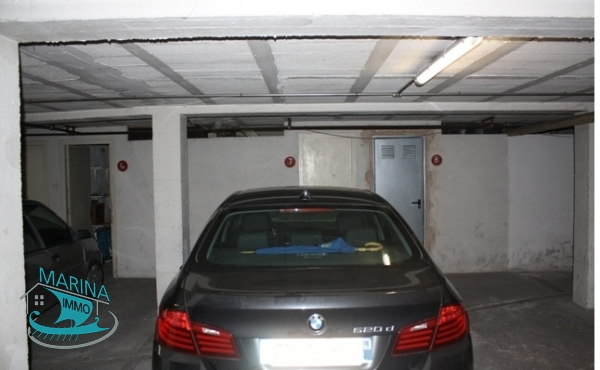 Parking in the basement with a storeroom, Empuriabrava center