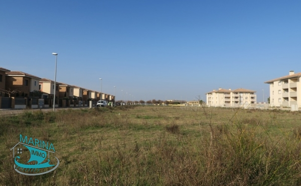 Lands of 500 m2 in quiet residential area