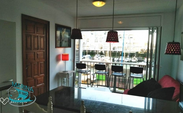 1 bedroom apartment very close to the beach, overlooking the canal.