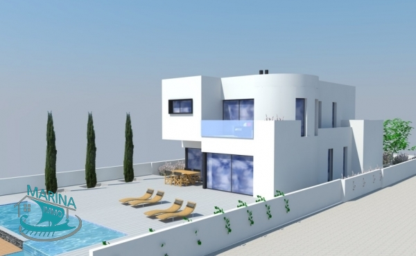 Modern house, complete renovation, with pool, 14.50 meter mooring, one of the most exclusive channels in Empuriabrava.