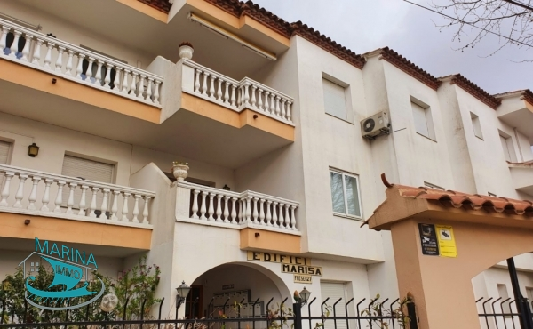 Nice little apartment with canal view, swimming pool and community mooring