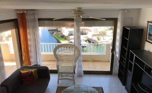 Apartment with 98m2 terrace overlooking the sea, poss of mooring for sailboat