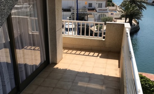 Apartment with sea view, possibility of mooring for sailboat